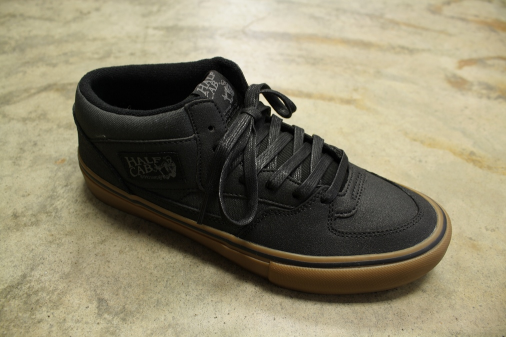 e5092d73b6 Got in some fresh new Vans today... the Half Cab Pro in (XTuff)black gum